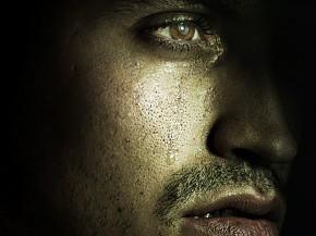 mężczyzna-płacze1